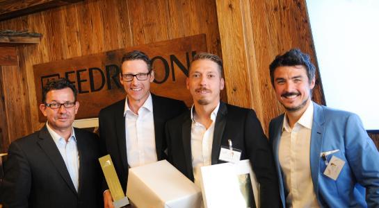 """""""Preisverleihung"""": von links: Marcus Lange (Fedrigoni Deutschland), Jan-Ole Stenzel und Christopher Dröge (Beisner Druck), Maik Hofmann (Geometry Global)"""