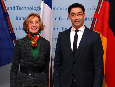 Bundesminister Dr. Philipp Rösler und die französische Ministerin für Außenhandel, Nicole Bricq