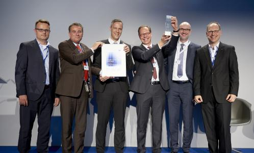 "from left to right: Kim Sascha Steingrube (Leiter Commodity Managenment ""Mechanics"", Dräger), Stefan Dräger (Chairman of the Executive Board von Dräger), Thomas Haug (General Manager RAP), Udo Strothmann (Key Account Manager), Matthias Kelp (Leiter Vertrieb), Steffen Michalzik (President Global Purchasing / Supplier Quality Assurance, Dräger) / Picture: Dräger"