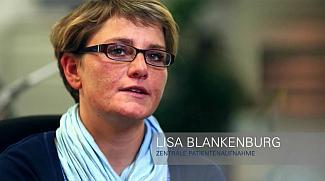 """""""Bei der Patientenaufnahme nehmen wir ohnehin alle wichtigen Daten auf. Zum Druck des Armbands reicht ein Klick mehr"""", sagt Lisa Blankenburg, die in der zentralen Patientenaufnahme tätig ist"""