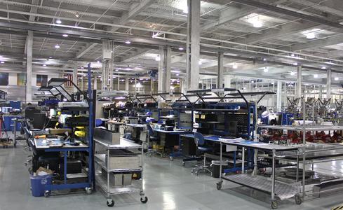Wie wirtschaftlich und effizient eine Fabrik ist, hängt von der Anordnung der Maschinen, Lager und Büros ab – dem sogenannten Fabriklayout. (Foto: Bruno Sanchez-Andrade Nuño / Creative Commons)