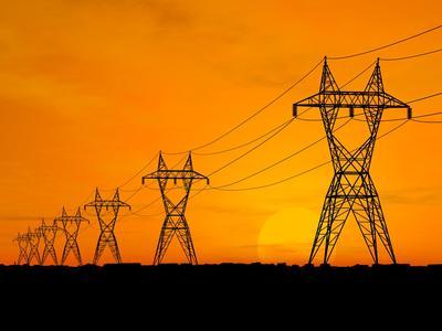 Die Übertragungsnetzbetreiber stoppen vorläufig die EEG-Umlage-Erhebung auf eigenerzeugten und selbst genutzten Strom (Bild: Fotolia / TebNad)