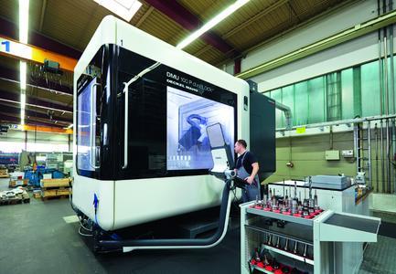 Für insgesamt elf Bearbeitungsmaschinen galt es eine effiziente und energetisch optimale Absauglösung zu finden, die zur Energieeffizienz-Philosophie der fischer Maschinentechnik-GmbH passt