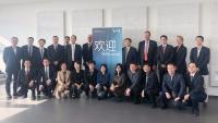 Die chinesische Delegation und Vertreterinnen und Vertreter der HSB
