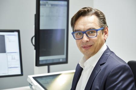 Dr. Thomas Wenzel