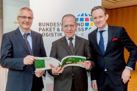 v. l. Prof. Dr.-Ing. Ralf Bogdanski, Florian Gerster, Marten Bosselmann (Fotograf: Christian Kruppa)