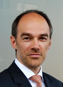 Dr. Stephan Huewel