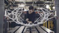 Die Mitglieder des Projektteams montierten die Komponenten des Landers im Autodesk-Technologiezentrum sorgfältig_©Autodesk