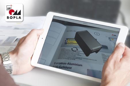 Mithilfe einer mobilen App lassen sich die Bopla-Gehäuse in der Produktbroschüre als virtuelles 3D-Modell betrachten