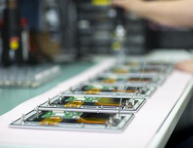 Alle aktuellen und zahlreiche ältere Elektronikplatinen hat Sesotec auf Lager und können im Rahmen des Remote Supports express geliefert werden. (Bild: Sesotec GmbH)