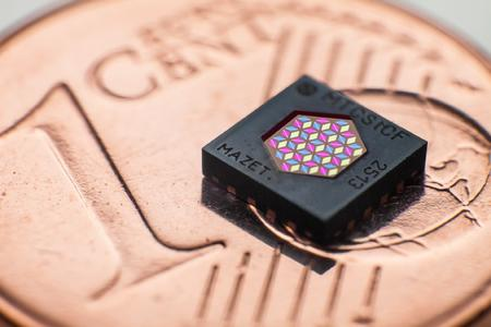Color Sensor MTCSiCF: universal for all applications / Copyright: MAZeT
