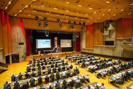 In diesem Jahr wird die Fachtagung Carbon Composites in der Messe Augsburg statfinden. Das Bild zeigt den Veranstaltungsort 2014, das Augsburger Kongresszentrum am Park