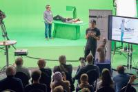 Foto (hl-studios, Erlangen): Hybrid Studio live – Jürgen Hinterleithner (li) und Wenzel Naumann (re) präsentieren die neue Virtual-Production-Technik von hl-studios