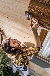 Qualität, optischer Anspruch und einfache Renovierbarkeit sind nach wie vor wichtige Kriterien für die Holzbeschichtung, Foto: Caparol Farben Lacke Bautenschutz