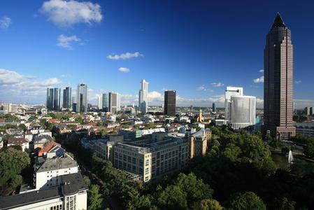 Das ReadSoft-Symposium, in der 30. Etage des Frankfurter Messeturms, bietet den Teilnehmern inhaltlich und beim Blick auf die Frankfurter Skyline neue Perspektiven