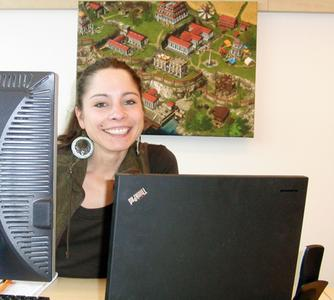 Kathleen Kunze, Gamedesignerin bei InnoGames, will am 22. April den Mädchen beweisen, wie viel Spaß sie in IT-Berufen haben können.