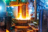 Elektrolichtbogenofen in Werkstatt für Metallurgie-Anlagen: HPL Extrem ist prädestiniert als Lichtlösung, beständig bis 110°C