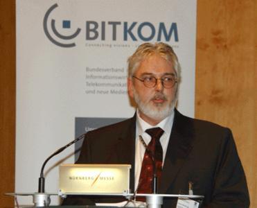 Rainer Weichbrodt, Geschäftsführer des MID