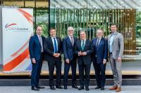 Laschet lobt Chemiebranche als wichtigen Pfeiler der Wirtschaft in Nordrhein-Westfalen