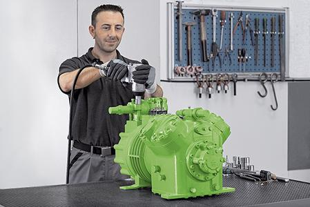 One of Green Point's special attractions is that the team, alongside state-of-the-art remanufacturing of the complete range of BITZER compressors, provides both employees and customers with training on compressors and pressure vessels.