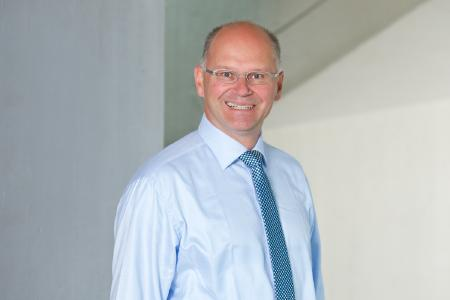IRMMW appoints Prof. Dr. Alfred Leitenstorfer as 2020 Button Prize Winner. Image: Leitenstorfer