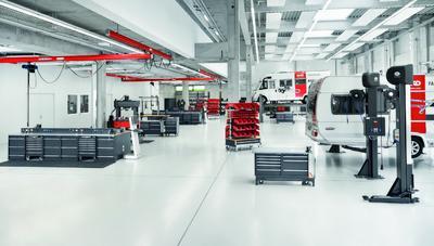 Modernste Wohnwagen- und Wohnmobilreparaturwerkstätte Europas im AL-KO Kundencenter, KleinkötzWe
