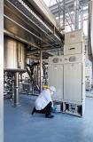 Der Reststaub wird gesammelt und kann einfach der Entsorgung  zugeführt werden. Das Antriebsaggregat der Absauganlage wurde  im Freien aufgestellt.