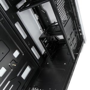 Brandneu bei Caseking: Klassisch simpel mit starkem Preis-Leistungsverhältnis - der BitFenix Nova Midi-Tower