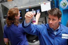 Bei den jährlichen, unangekündigten Betriebsbegehungen durch die Sachverständigen der Hohenstein Institute werden unter anderem alle Aspekte der betrieblichen Hygiene überprüft