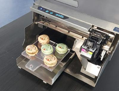Manual Feed Allows for Eddie to Print on Larger Food Items