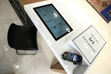Ingenico provides omnichannel payment for Galeries Lafayette's leather goods digital showrooms