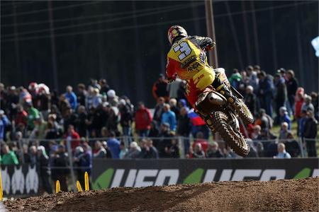 Strijbos & RM-Z450 gets 'Nations MX Race win