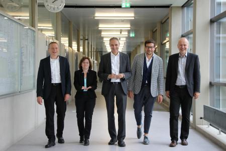 Das Rektoratsteam der Hochschule Aalen: Prof. Dr. Heinz-Peter Bürkle, Claudia Uhrmann, Prof. Dr. Gerhard Schneider, Prof. Dr. Markus Peter, Prof. Dr. Harald Riegel © Hochschule Aalen/Janine Soika