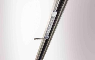 Detailansicht  Der integrierte Kettenantrieb E920 - E990 mit komplett im Fenster integriertem Antrieb von GEZE