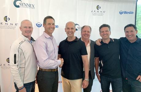 v. l. n. r. Tim Maloney (SVP, World Wide Channels Lifesize), Craig Malloy (CEO, Lifesize), Carsten Steinecker (GF, COMM-TEC), Thomas Nicolaus (VP Central-& Northern EMEA, Lifesize), Rainer Sprinzl (GF, COMM-TEC), Tom Cameron (CRO, Lifesize)