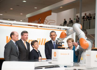 2016 durfte das Detmolder Elektrotechnikunternehmen US-Präsident Barack Obama auf seinem Stand begrüßen