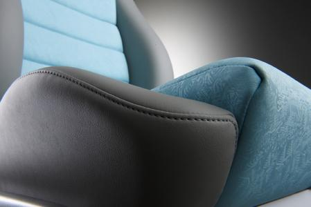 With the Acella® Eco product family, the ContiTech surface specialist Benecke-Kaliko is contributing in a major way to improving the climate in vehicle interiors. Photo: ContiTech