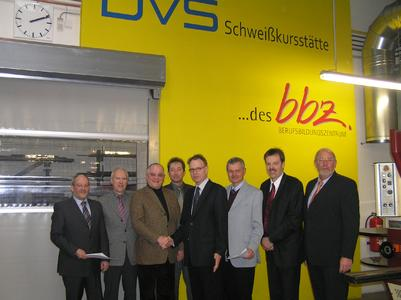(v.l.n.r.) Friedrich Seidel (DVS), Peter Hille (DVS), Dr. Theodor Gräbener (bbz), Martin Lehmann (DVS), Dr. Klaus Middeldorf (DVS), Klaus Gräbener (bbz), Volker Tiepelmann (DVS), Klaus Hopf (bbz)