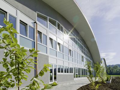 Sportlich: GENEO erzielt Bestwerte in Punkto Wärmedämmung und Komfort und macht das Sports Core Center zum Vorzeigeobjekt.