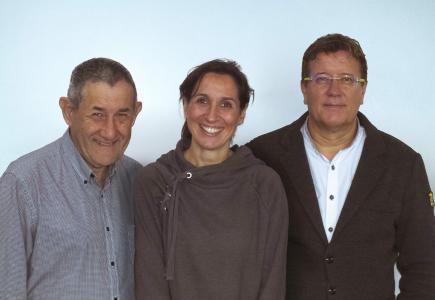 Prof. Aaron Lerner, Dr. Sandra Neidhöfer and Dr. Torsten Matthias received the Best Review Paper Award 2018