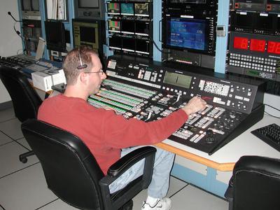 KTWU Panel Desk