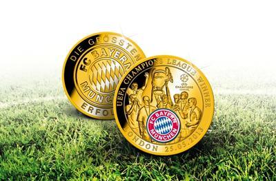 """Super Erinnerungsstück an den Mega-Sieg von Wembley – die offizielle Sonderprägung """"Champions League Sieger 2013"""", Bild: Bayerisches Münzkontor"""