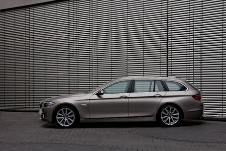 The new BMW 5 Series Touring 04