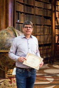 Georg Mackenbrock, Geschäftsführer DMRZ.de, freut sich über die Auszeichnung.