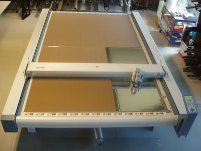 CNC-Schneideplotter für selbstklebende Folien