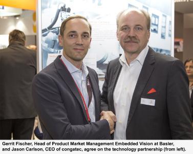 Gerrit Fischer, Leiter Product Market Management Embedded Vision bei Basler und Jason Carlson, CEO von congatec, vereinbaren Technologiepartnerschaft (von links)