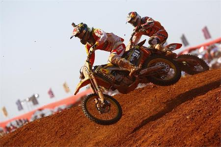 Seewer runs at the front in Brazil MX2