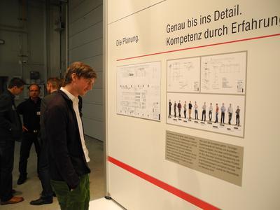 Schautafeln präsentieren das Leistungsspektrum von Messebau Keck, Foto Pressebüro Schiel
