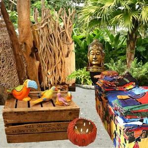 Wohnen wie auf Bali  - umgesetzt mit Produkten von Holzwurm, Imago, Bali Connection und Andrea Design / Collage: Gabriela Kaiser