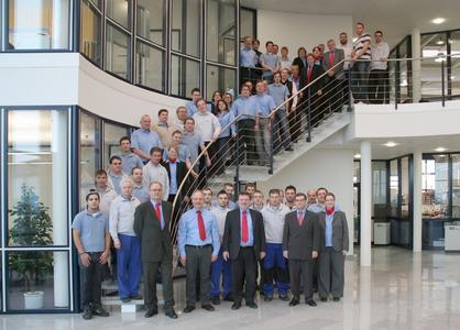 """Stolz ist das 95-köpfige Team der ACI-ecotec nicht nur auf seine innovativen Produkte, die weltweit dazu beitragen, die Produktion von Photovoltaikmodulen effizienter zu machen, sondern auch auf die Auszeichnung """"Top 100""""."""
